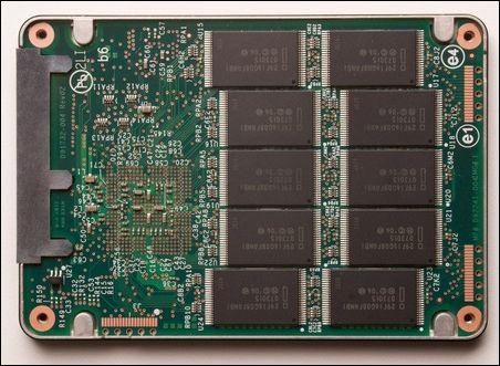 英特尔x-25固态硬盘内部结构曝光